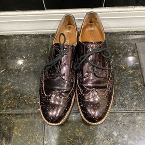 Brown patent leather unisex lace up oxford size 9
